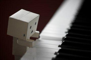 Robot piano